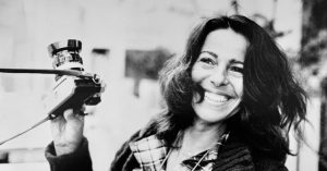 Sally Soames, Fearless Photographer With Personal Touch, Dies at 82